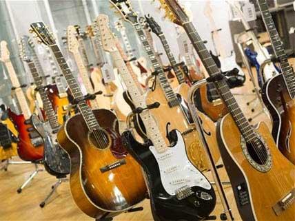 Clapton's guitars
