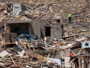 tornado destruction