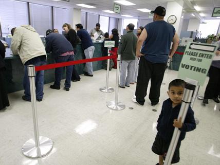 citizens registering to vote